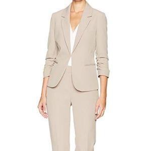 Tahari Beige Stretch Crepe Pant Suit, SZ 6